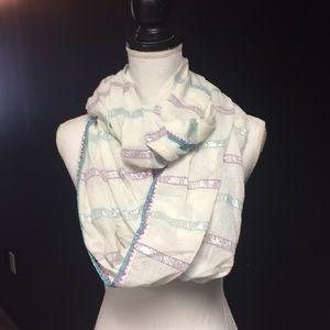 Betsey Johnson scarf nwt